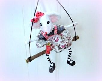 DECORATION mouse Papier-maché on its swing