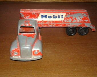 Vintage Tootsietoy Semi Truck and  Mobil Trailer