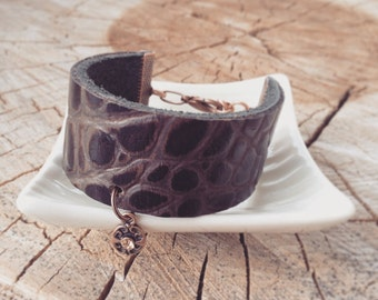 Leather crocodile bracelet