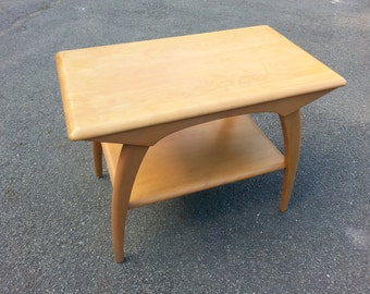 Gorgeous Vintage Mid-Century Heywood Wakefield Step End Table With Shelf