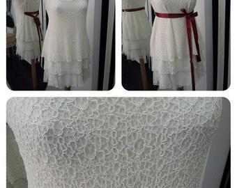Top/white lace dress with flounces