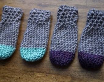 Knitted Children's Mittens // size 0-24 months