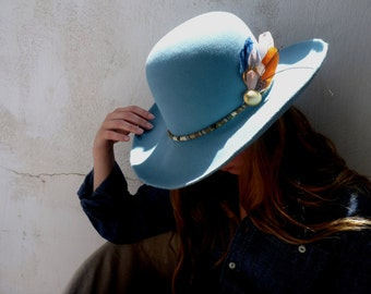 Beautiful handmade fedora fur felt hat western style.