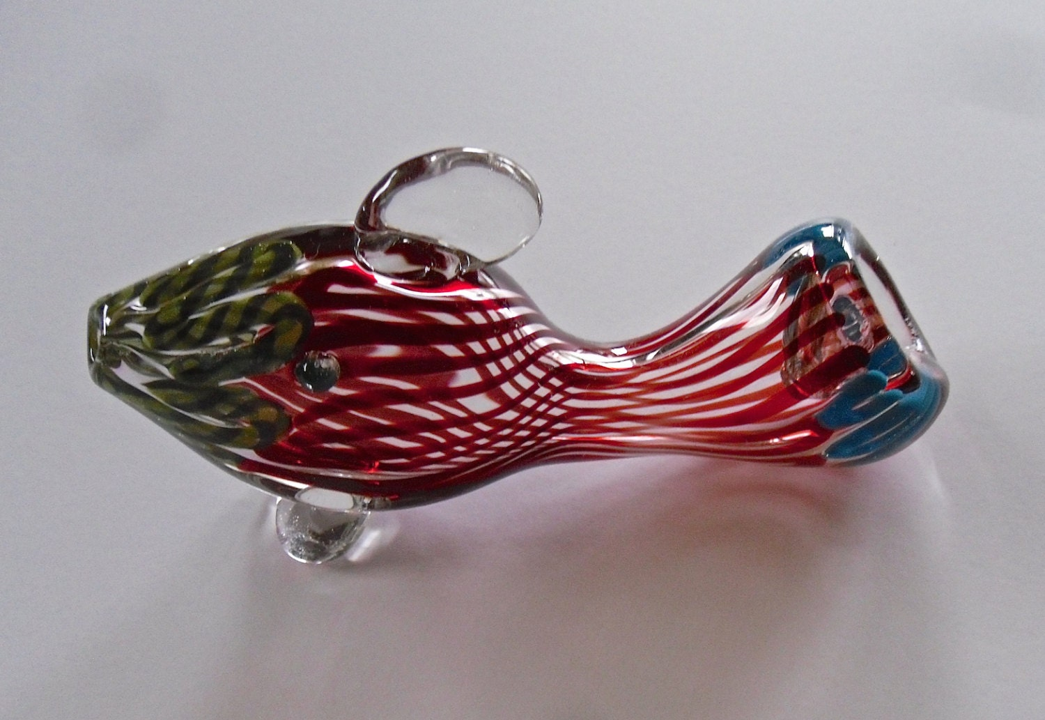 Colorful fish shaped glass pipe animal pipe for Glass fish pipe