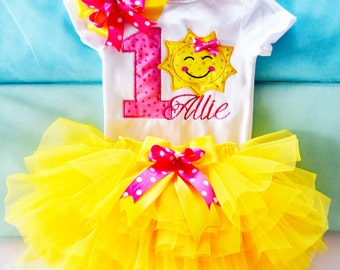 You are my sunshine outfit,First birthday outfit girl,Sunshine Birthday Outfit,Girls 1st Birthday Outfit,Cake smash outfit girl, pink yellow