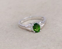 Chrome diopside, white topaz 925 sterling silver ring jewelry - Prong set solitaire ring - Russian Diopside ring- Oval gemstone ring gift
