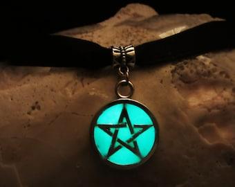 Pentagram necklace with Black Velvet Ribbon glow in the dark