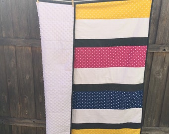 girls rectangle polka-dotted quilt