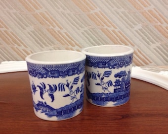 Pair of Williow Ironstone ceramic mugs (blue and white)