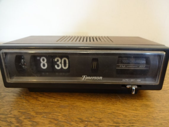 Vintage Flip Clock Radio Emerson Model By Fixedwheelvintage