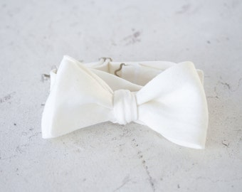 Ivory Linen Bow Tie