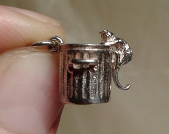 Alley cat and dustbin moving sterling silver charm