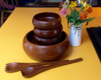 Vintage/ Teakwood /Salad bowl Set.
