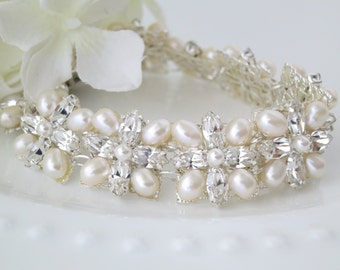 Swarovski rhinestone and freshwater pearl bridal cuff, Vintage style bracelet, Crystal and pearl wedding cuff