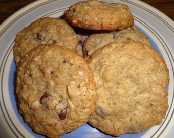 Tasty Homemade Chocolate Chip Oatmeal Cookies With Choices (3 Dozen)