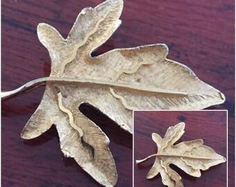 Vintage Goldtone Leaf Brooch  BSK