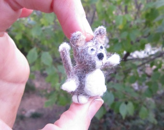Mini Kitty merino fiber - Needle felted cat - handmade