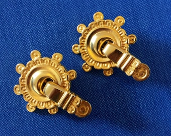 Vintage 1990's gold tone clip on earrings