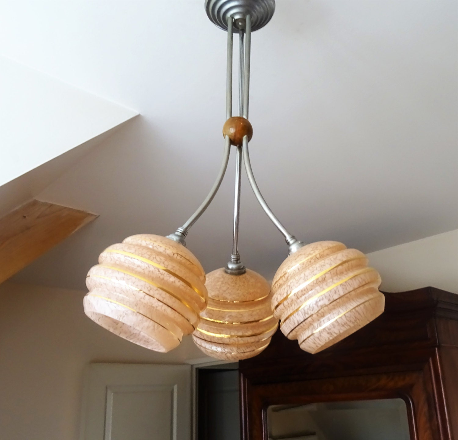 Lustre plafonnier art d co 1930s fran ais suspension trois for Lustre 3 suspensions