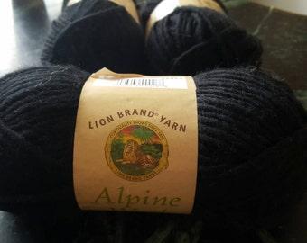 New Lion Brand Yarn 822-154 Alpine Wool Yarn 1 skein 85g BLACK PEPPER