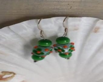 Green glass bead earrings  (ER057)
