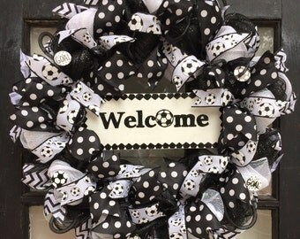 Soccer wreath, Soccer front door wreath, soccer welcome sign, soccer ball wreath, black and white soccer wreath, soccer front door sign