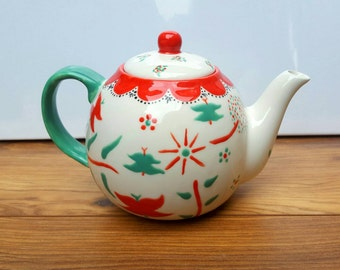 English Teapot Vintage Teapot Style Four Cup Traditional Teapot Ceramic Teapot Hand Painted Tea Lover Gift
