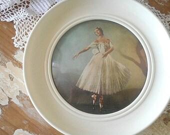 Vintage Circular Framed Ballerina Print