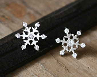 Frozen Snowflake Earrings 925 Sterling Silver Dainty Stud Earrings