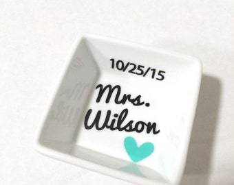 Personalized Ring Dish, Ring Holder, Customized Mrs Ring Dish, Wedding gift, Engagement gift, Future Mrs Gift, Gift for Bride, Ring Dish