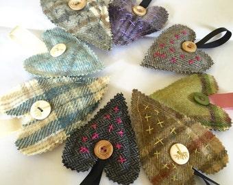 Medium 'love & kisses' tweed lavender heart