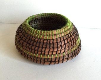 Vintage Pine Cone Coil Basket/Vintage Decor/ Vintage Basket/ Vintage Craft