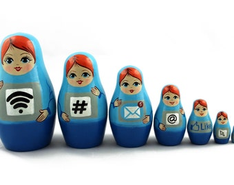 Matryoshka Matrioshka Russian Nesting Doll Babushka Computer Set 7 Pieces