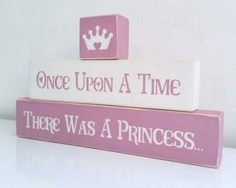 Once upon a time there was a princess, stacking blocks, Shabby Chic, painted in Annie Sloan