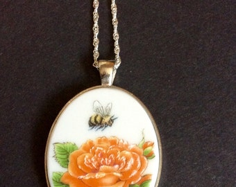 Bumblebee and rose broken china large pendent