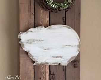 Plump Pig Sign w/ Wreath