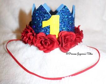 Snow White birthday crown. Theme crown . Birthday crown . Photo props . Snow White inspired crowm . Cake topper . Snow White