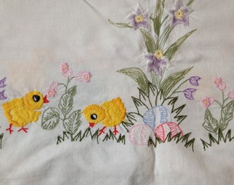 Vintage Table Cloth With Flower Embroidery 32.25x32.25 Inches