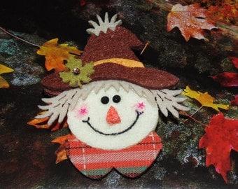 Handcrafted Novelty Halloween Fall Felt Scarecrow Head Hat/Shirt/Lapel Pin
