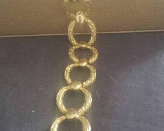 Beautiful chain link bracelet. Petite sizing. 20 cm.