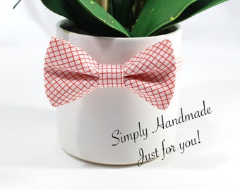 Red bow tie, Ivory and red gingham bow tie, little boys bow tie, boys bow tie, Toddler bow tie, bow ties for babies, Red and ivory bow tie