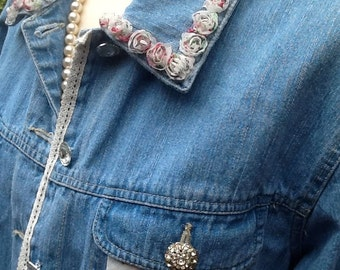 Denim Jacket, upcycled, Size L, Flowers-n-Lace