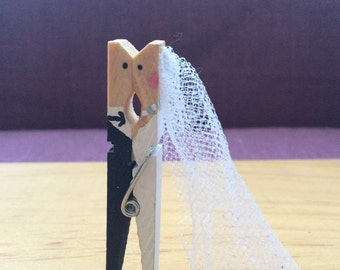 Cuteness overload!! 10 Kissing Wedding Clothes Pins