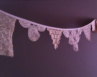 Doily Bunting - Light Beige