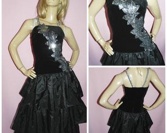 Vintage 1980s Black Velvet Silver Sequin ruffled ORIGAMI AVANT GARDE prom party dress  12-14UK 8-10US 80s Extreme