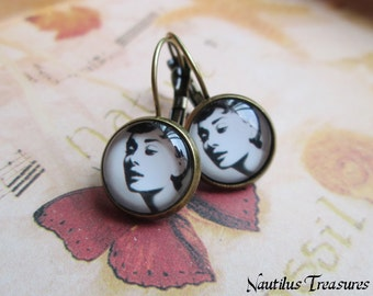 Audrey Hepburn glass brass vintage earrings, Audrey Hepburn earrings, vintage earrings