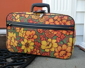Vintage Flower Power Small Overnight Bag/Suitcase/1970's