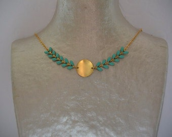 Glazed cobs and gold-plated chain necklace