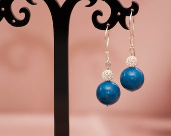 Silver earrings with marble