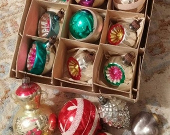20 vintage Christmas ornaments